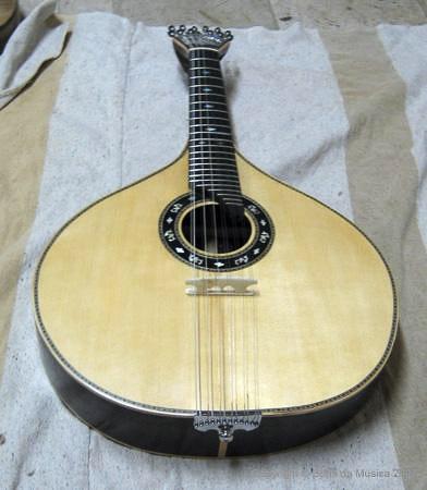 Portuguese-Guitars-01